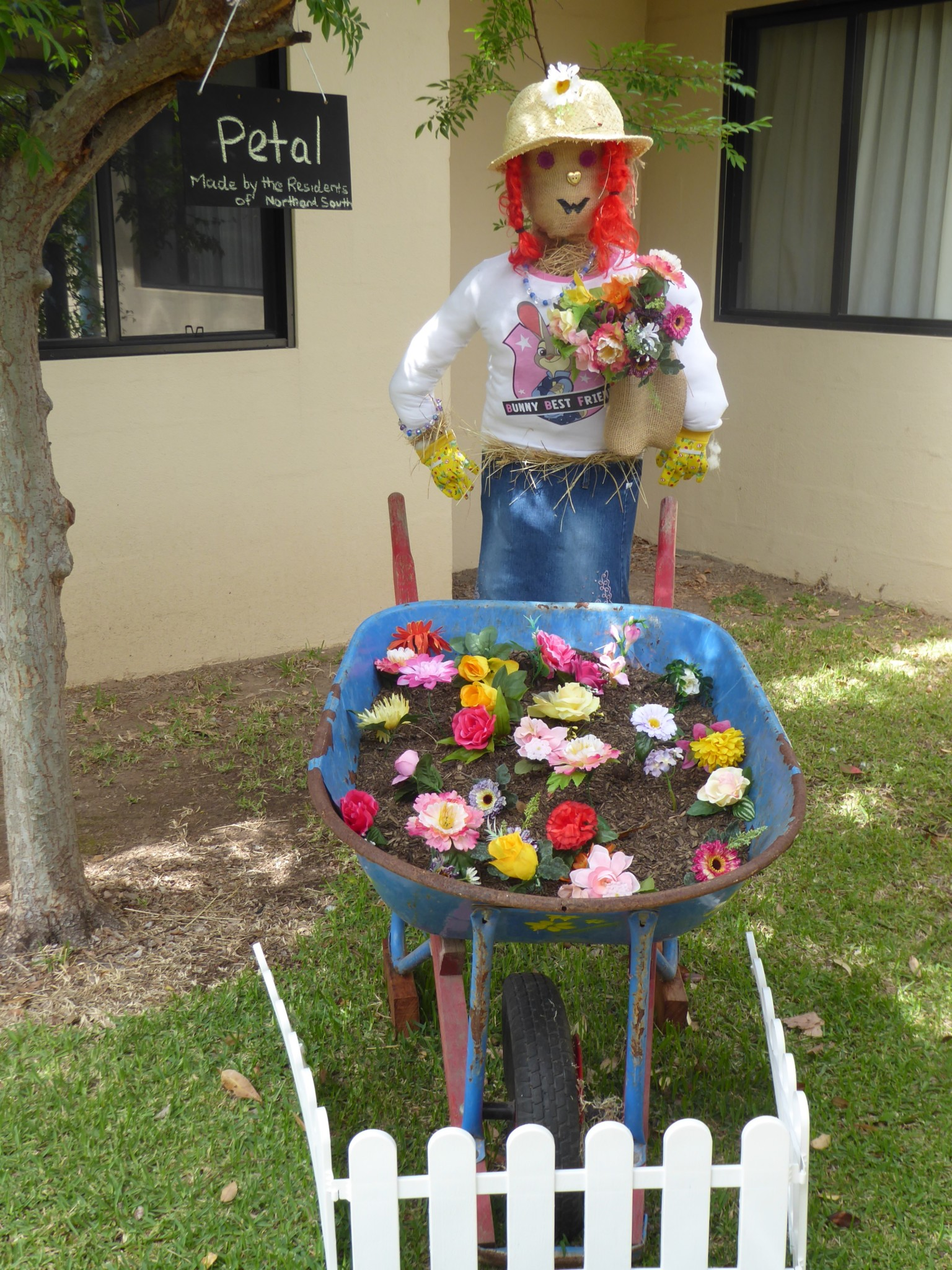 scarecrow wheel barrow